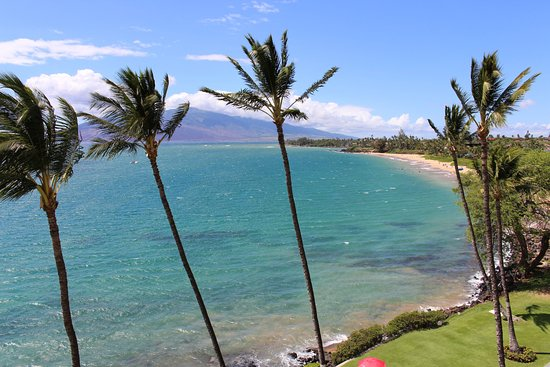 Royal Mauian: View of Kamaole Beach I from our 6th floor condo