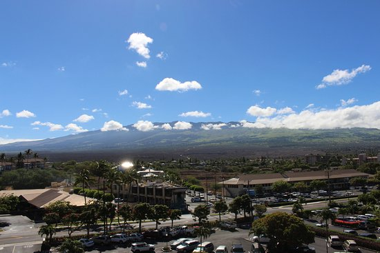 Royal Mauian: Haleakala from our front door