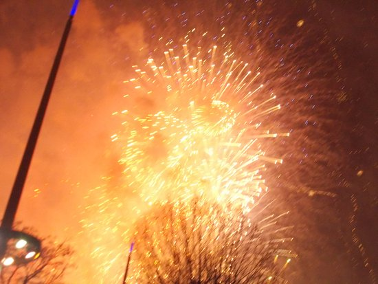 Royal Festival Hall: One of the fireworks ...........................................................................