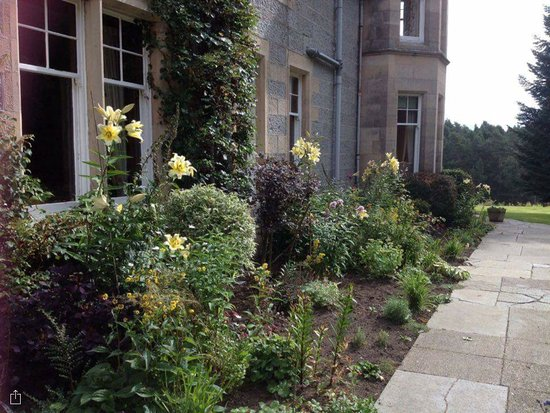 Tigh na Sgiath Country House Hotel: Beautiful gardens