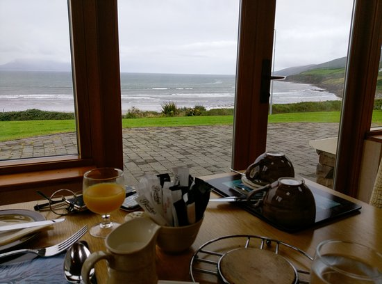 Inch Beach Guesthouse: La vue depuis la salle du petit déjeuner (8h30 - 10h)