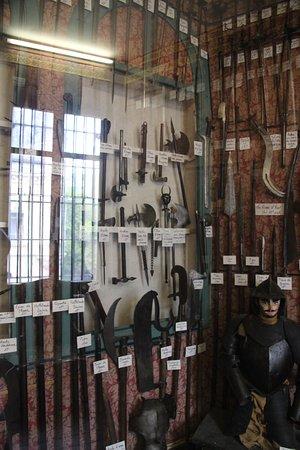 Avressieux, France: zwaarden