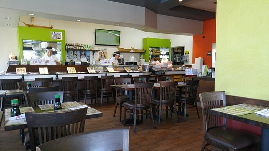 La Habra, Californien: 런치 메뉴와 스시바