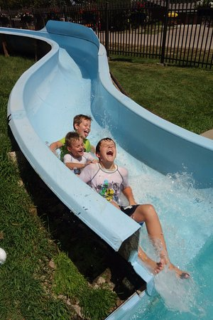 Mount Rushmore / Hill City KOA: water slide!