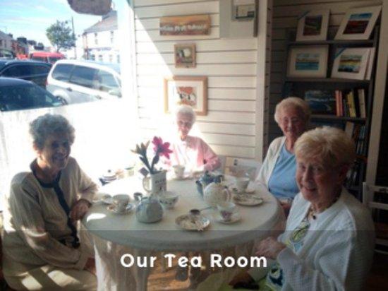Lunasa Crafts: Tea Room