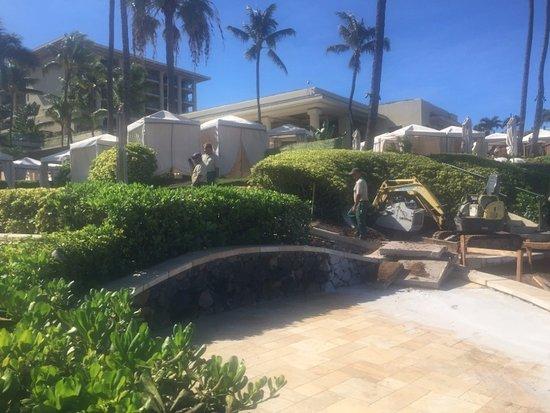 Four Seasons Resort Maui at Wailea: Construction ZONE AKA FOUR SEASONS MAUI