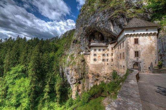 Slovénie : Predjama Castle