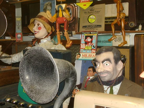 Montacute, UK: Aunt Sally & Mr Bean
