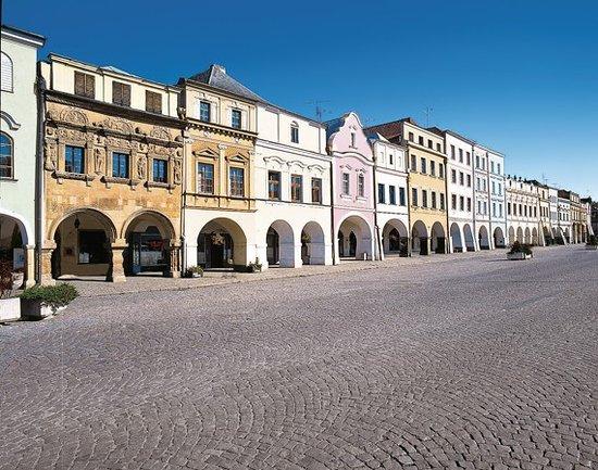 Litomysl, Republika Czeska: Dům U Rytířů mezi dalšími městskými domy