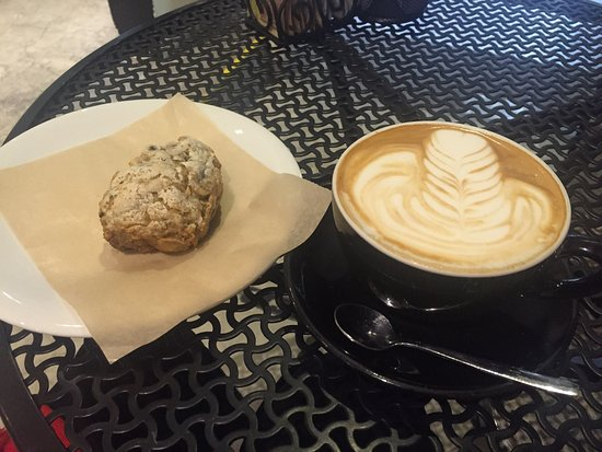 Caffe Biscottino : Great coffee, come visit