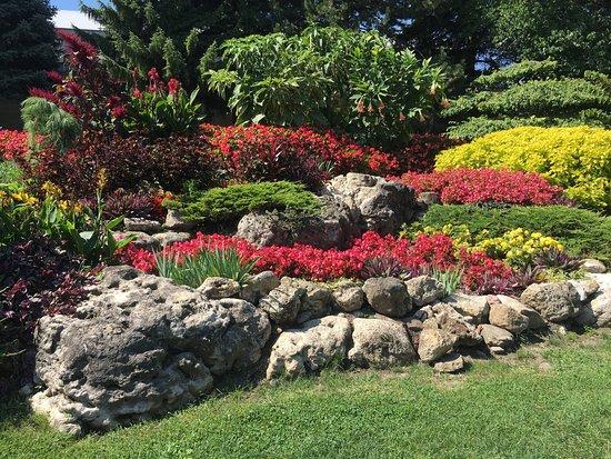 photo0 jpg picture of oshawa valley botanical gardens oshawa tripadvisor