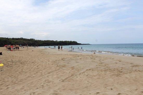Hapuna Beach: Smooth surf.