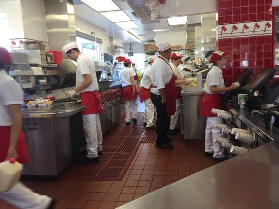 In-N-Out Burger: photo1.jpg