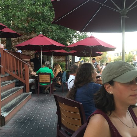 Red Horse Tavern: Outdoor locals social scene and not much to love as food goes