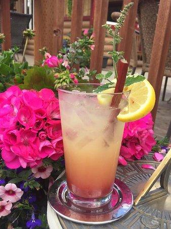 Strawberry Rhubarb Lemonade! Yum!