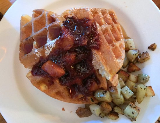 Paradox Lodge & Cedar Lodge: Waffles, cooked fruit, and potatoes