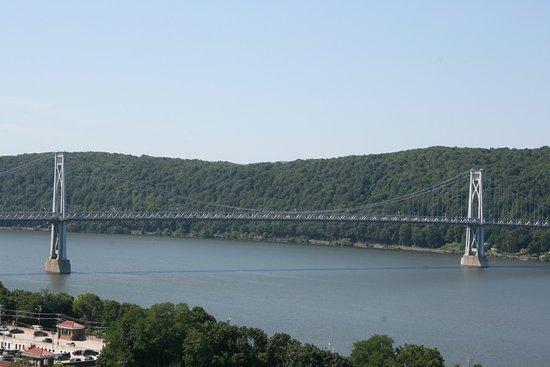 Poughkeepsie, NY: The highway bridge