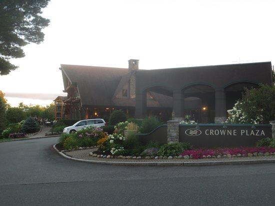 Crowne Plaza Lake Placid: Entrance