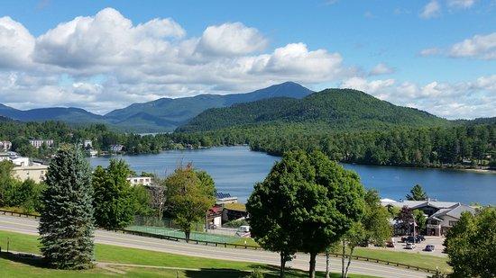Crowne Plaza Lake Placid: Mirror Lake & Surrounding Mountains