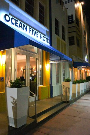 Ocean Five Hotel: Exterior 3