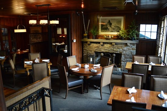 Chagrin Falls, OH: Main Dining Room