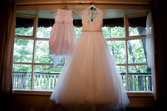 Kunkletown, Pennsylvanie : This window in the bridal cabin made pictures a dream