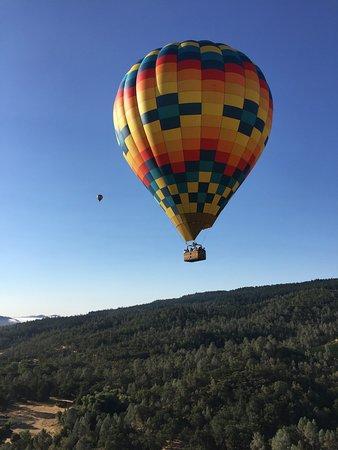 Yountville, CA: Aloft Balloon Ride (Pope Valley)