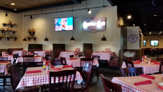 Independence, Missouri: Dinning room. Sorry it is blurry.