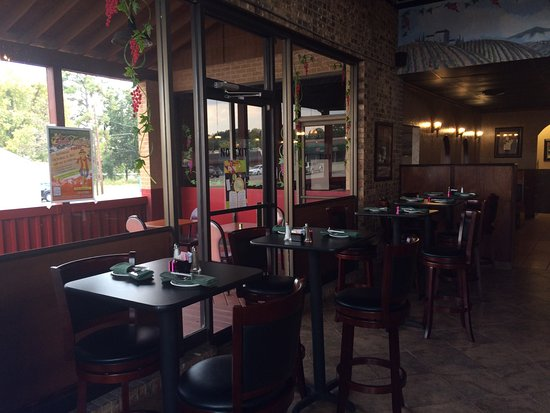 Roma Italian: Bar Area