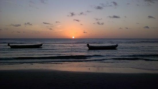 Pôr do sol na praia! Não subi a duna todos os dias para ver o mesmo pôr do Sol rs