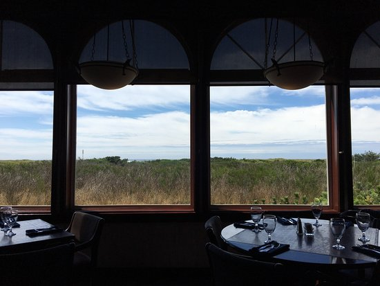 Shilo Restaurant : Lunch, worn seating, view