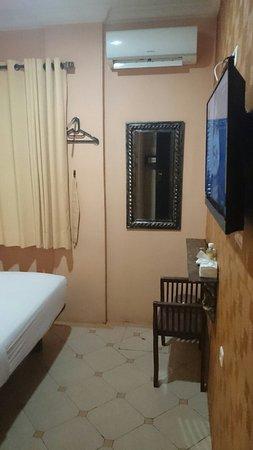 Twins Hotel: DSC_0307_large.jpg