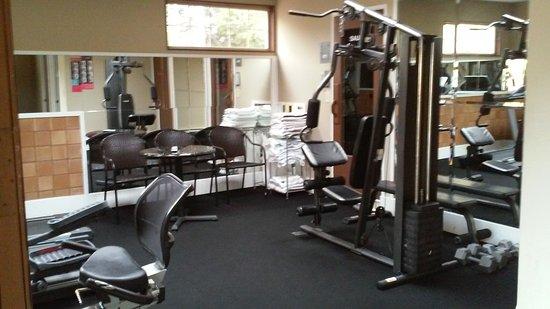 Coachman Inn: EXERCISE ROOM