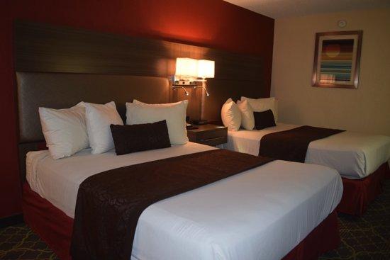 West Memphis, AR: 2-Queen Beds