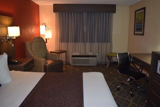 West Memphis, AR: King Bedroom