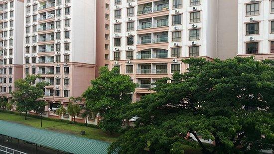 Promenade Hotel Apartments: 20160830_162306_large.jpg