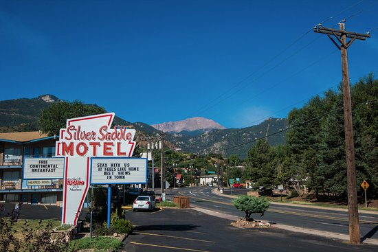 Silver Saddle Motel: View of Pike's Peak