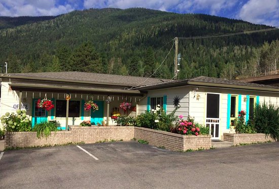 Kokanee Glacier Resort: Photo of office and adjacent breakfast room