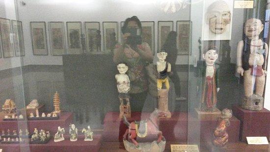 Museo de Bellas Artes (Bao Tang My Thuat): Koleksi di Fine Arts Museum