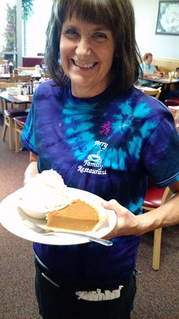 Painesville, OH: Debbie is the best server! The pumpkin pie was mighty fine, too.