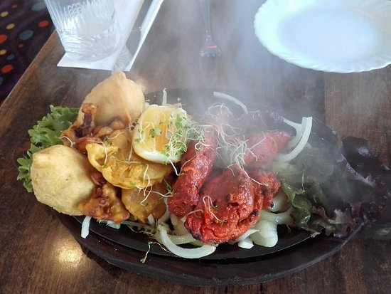 Indian Affair: The Mixed Platter Starter - sizzling and scrumptious