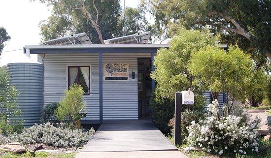 Quorn Caravan Park: Welcome to the Flinders Ranges