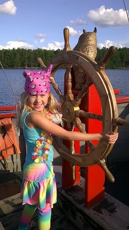 Eagle River, WI: Kids can pretend to steer the boat