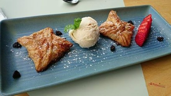 Cairns Region, Australie : very tasty dessert , must try!!