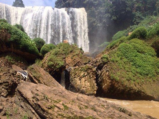 Elephant Falls: photo0.jpg