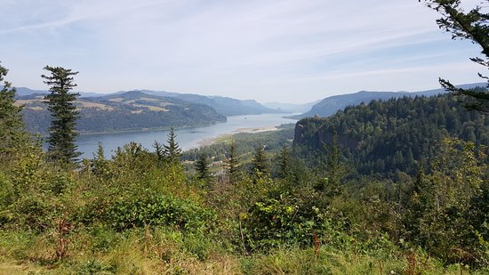 Troutdale, OR: Beautiful overlook to the river