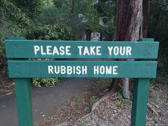 Silvan Reservoir Park: It's simple - leave no trace!