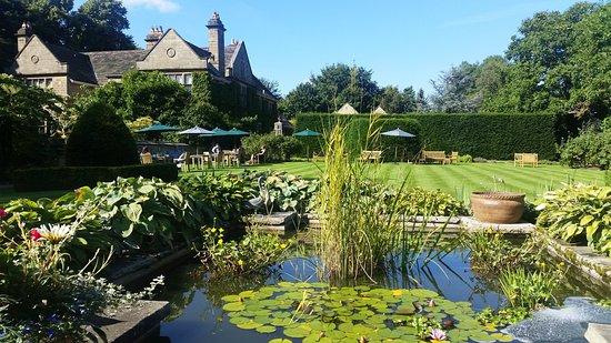 Baslow, UK : Garden area
