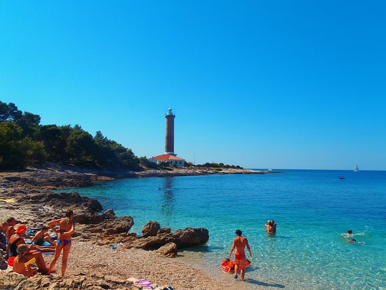 Veli rat, Kroatië: Beach and tower