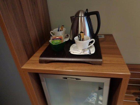 Mercure Bratislava Centrum: чай-кофе в номере